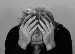 mal de tête, migraine? l'ostéopathie permet de traiter ces troubles et faire disparaître les douleurs des migraines et maux de tête, céphalées