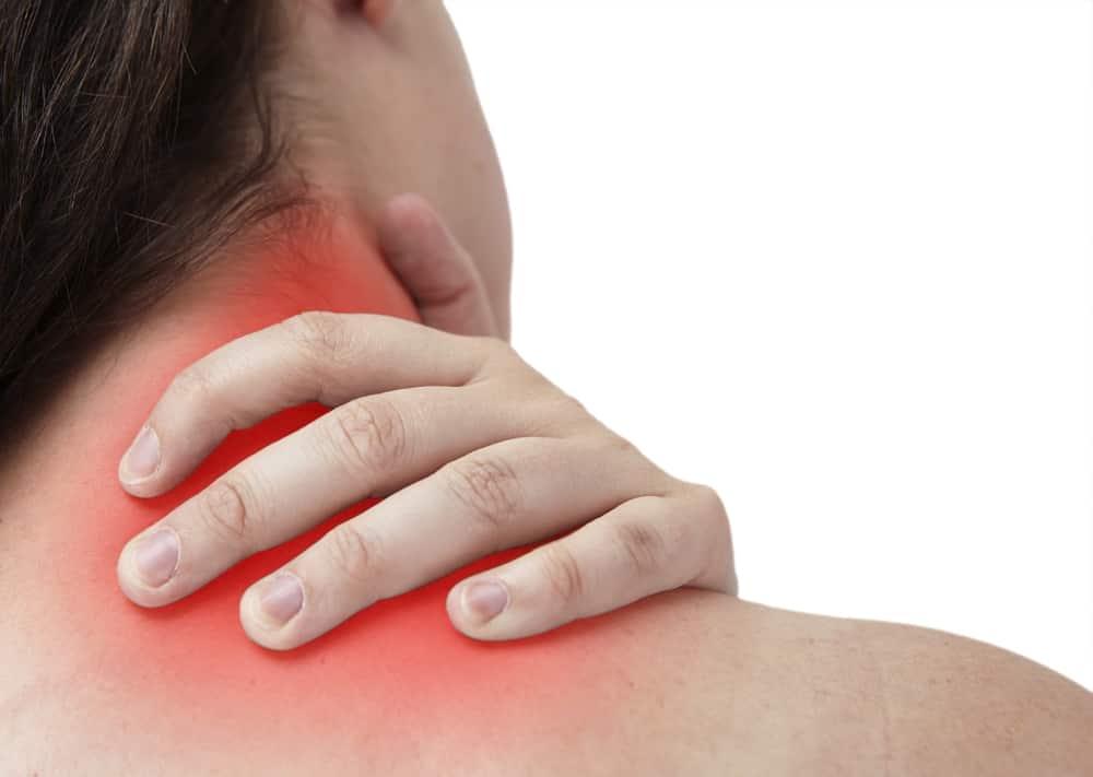 Comment soigner et soulager le torticolis rapidement?