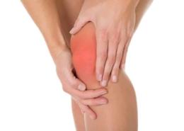 douleur du genou, gonalgie, comment soulager douleur genou? les pathologies du genou sont bien soignées par l'ostéopathie et la thérapie manuelle fait par un bon ostéopathe
