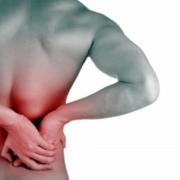 Le lumbago est une lombalgie (douleur de la colonne vertébrale au niveau lombaire) l'ostéopathie permet le relâchement musculaire et des tensions douloureuses